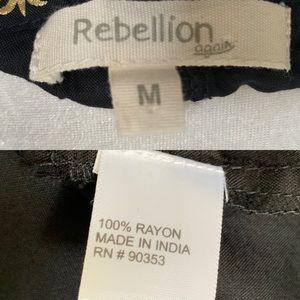 Rebellion Tops - Off The Shoulder Black Pineapple Peasant Top NWOT